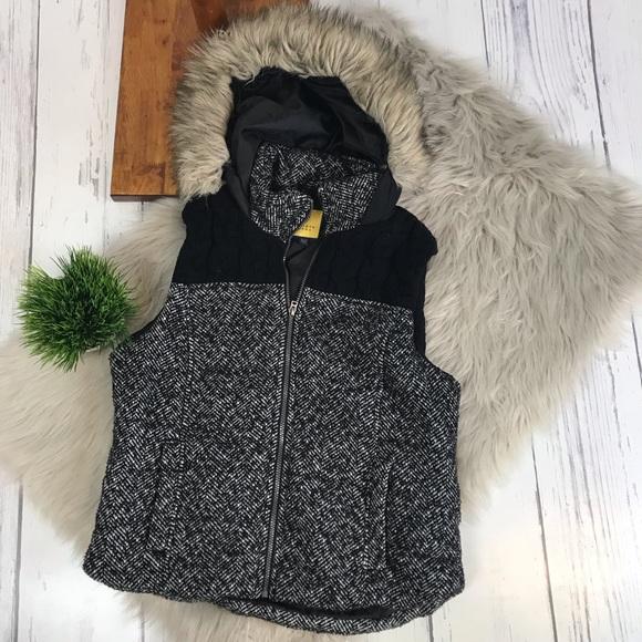 Prince & Fox Jackets & Blazers - {FLASH SALE Prince&Fox} hooded Vest